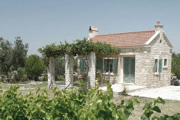 Name:  senoglu-cottage-exterior6-via-smallhousebliss.jpg Views: 2409 Size:  49.0 KB