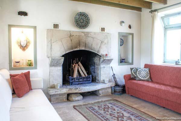 Name:  senoglu-cottage-living1-via-smallhousebliss.jpg Views: 2131 Size:  31.4 KB