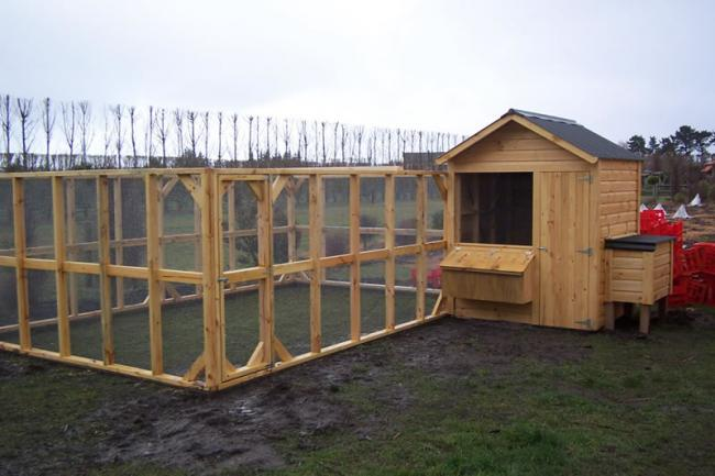 Name:  1_8 wood hen house & compound1_JPG.jpg