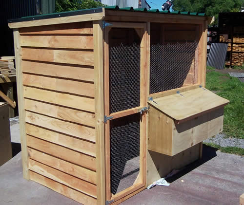 Name:  medium wood hen house8_JPG.jpg