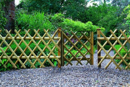 Name:  fd38a-diamond-fence-gate-1.jpg