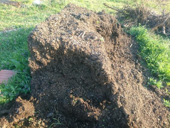 Name:  kompost2.jpg Views: 271 Size:  71.7 KB